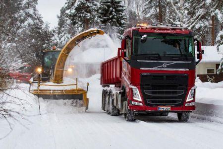 FMK228 lumen kuljetuksessa. (kuva: Pertti Bruun)